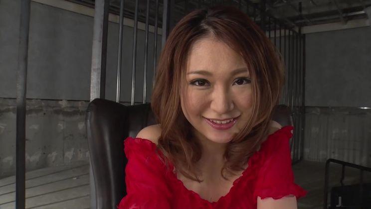 Seducing asian mature lady Airi Mizusawa
