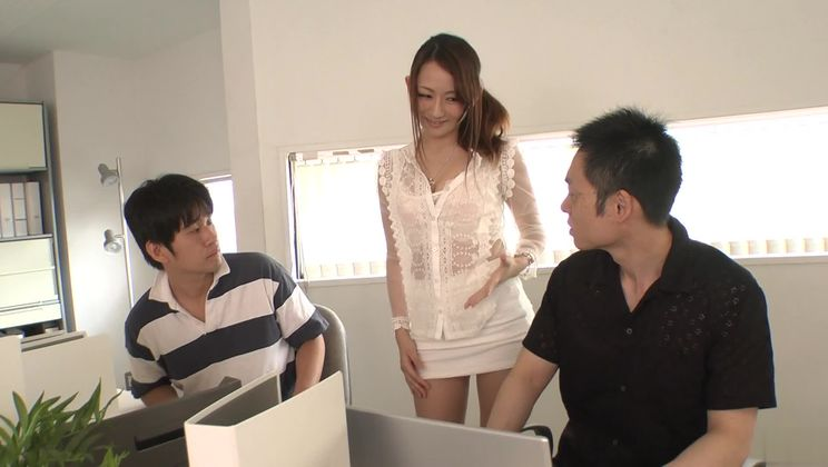 Beautiful buxomy asian Reon Otowa receiving a cumshot