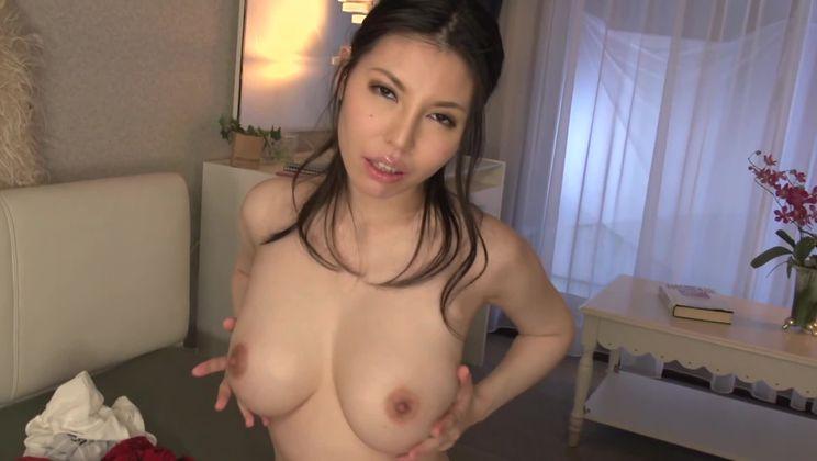 Honey busty Japanese Sofia Takigawa is making an amazing BJ