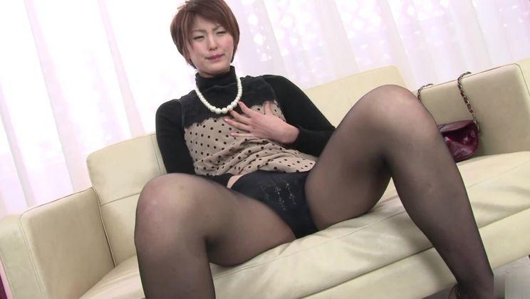 Bonny Japanese Saori having a passionate masturbation