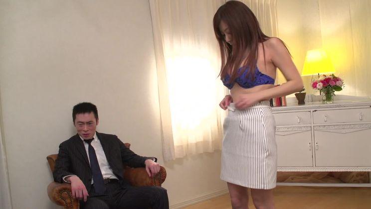 Sexy oriental mature female Chihiro Akino getting cock been blowed