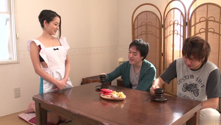 Mellow asian cleaning woman Anna Mihashi gives a magic blowjob