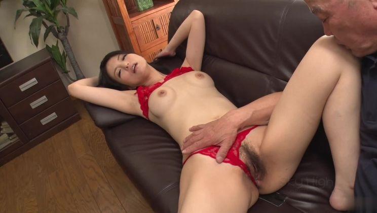 Stunning oriental Miria Hazuki in sexy lingerie