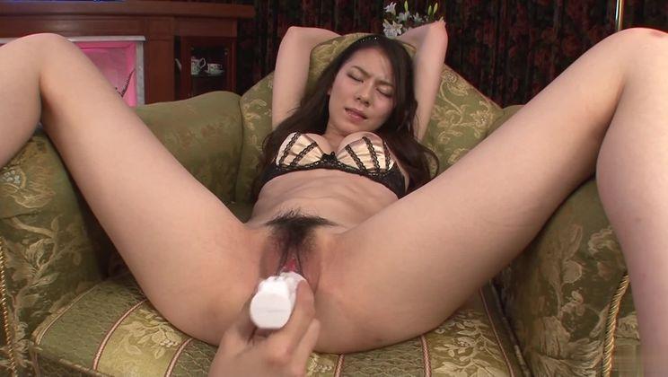 Stunning unhaven oriental Kei Akanishi in teasing lingerie sex video