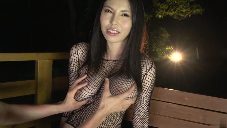 Heavenly buxomy oriental Sofia Takigawa in lingerie