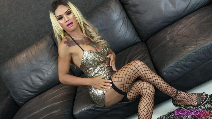 Hot Thanya