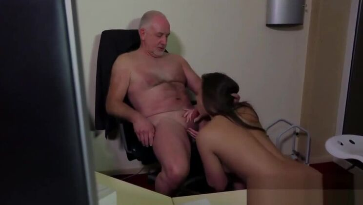 Gorgeous Euro secretary in amateur porn