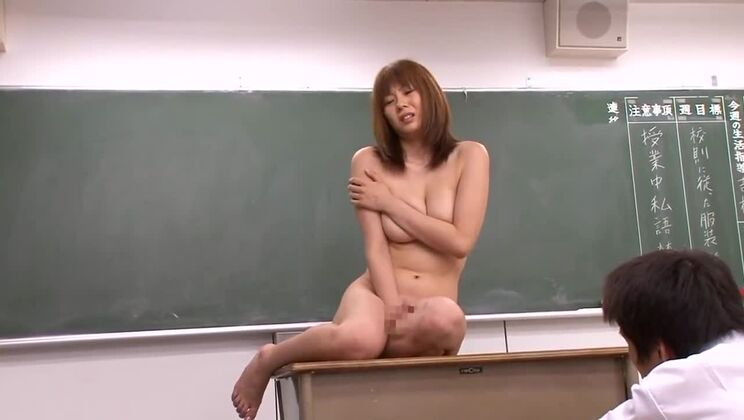 Alluring busty Japanese Yuma Asami having an an amazing hardcore sex