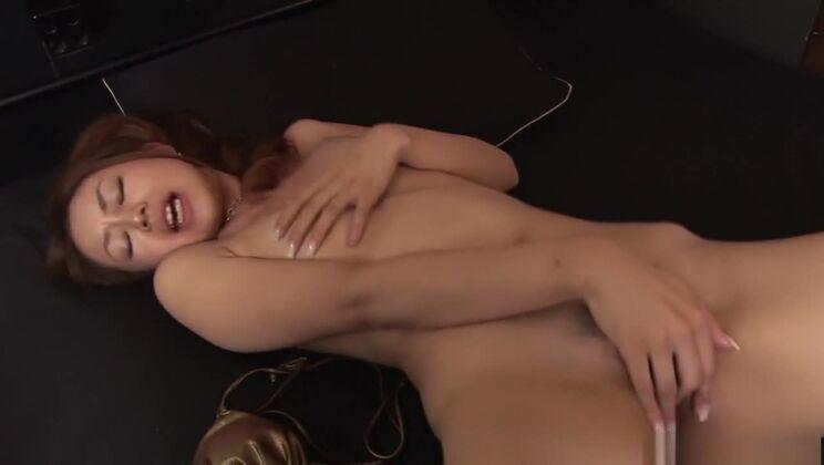 Pleasing unhaven Japanese Sakura Hirota in real amateur porn video