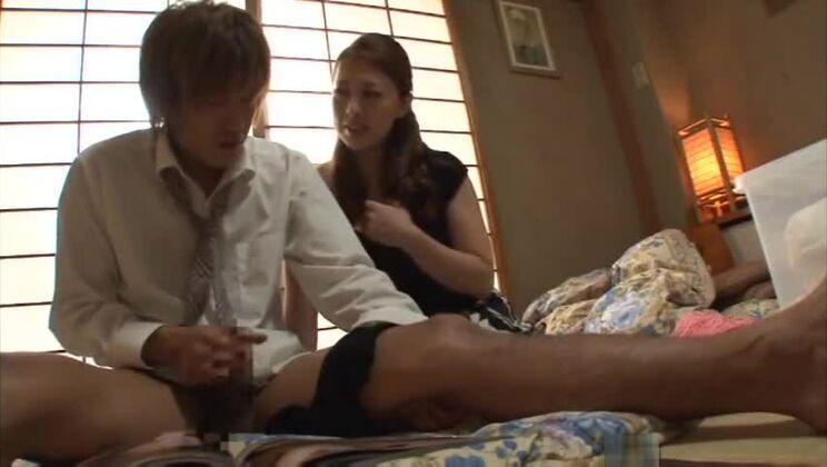 Sexy buxomy Japanese Yumi Kazama