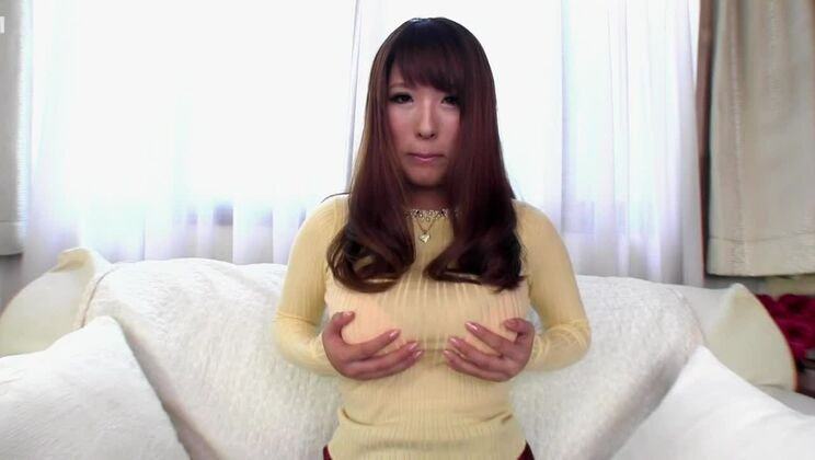Admirable busty Japanese hussy