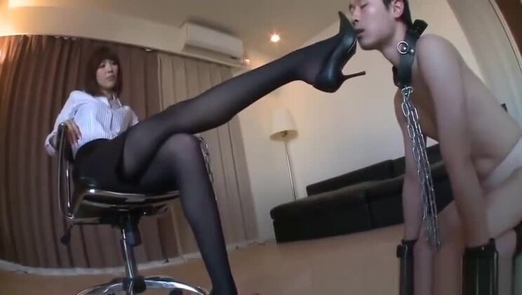 Gorgeous asian lady in oil massage porn movie