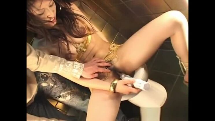 Hot fluffy Japanese Yuki Inaba in lingerie