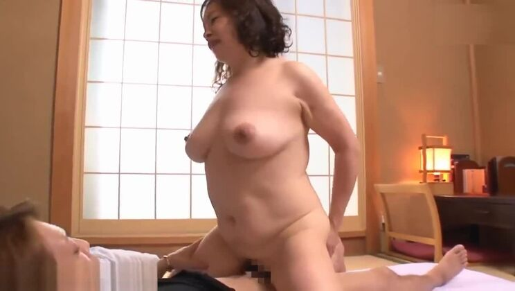 Comely breasty oriental harlot