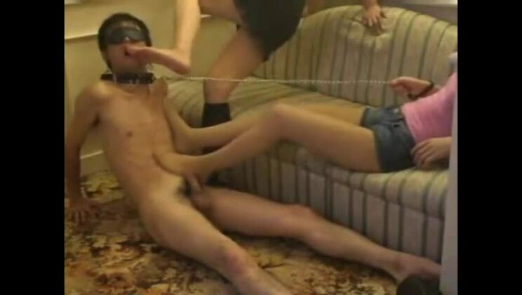 Handsome asian girl in awasome foot fetish perfromance