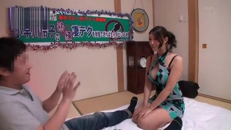 Unbelievable asian Reiko Kobayakawa performing an amazing foot fetish porn video