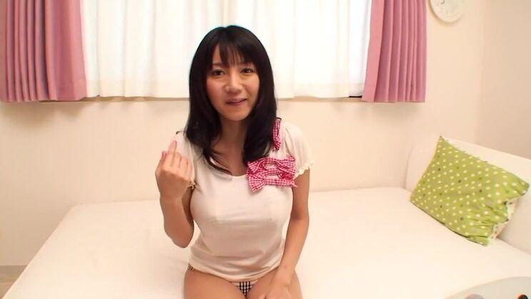 Alluring breasty Japanese Yuuri Himeno