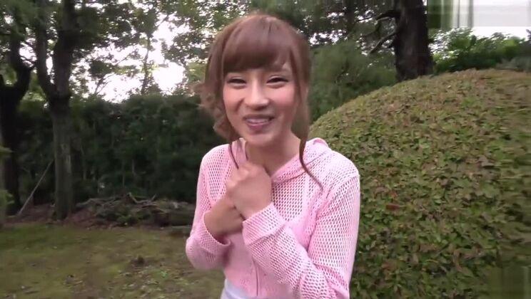 Honey asian Anna Anjyo in outdoor