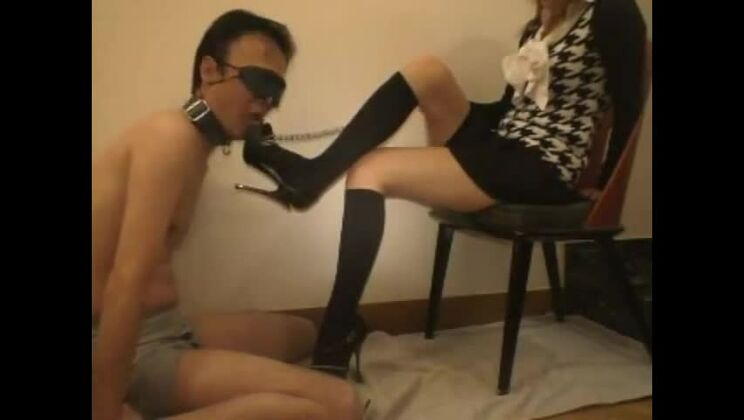 Tempting Japanese huzzy featuring a hot foot fetish sex video