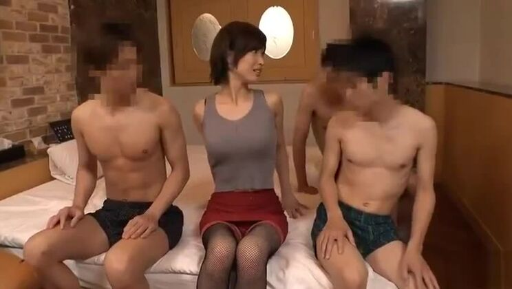 Unearthly Japanese bitch getting a massive facial cumshot