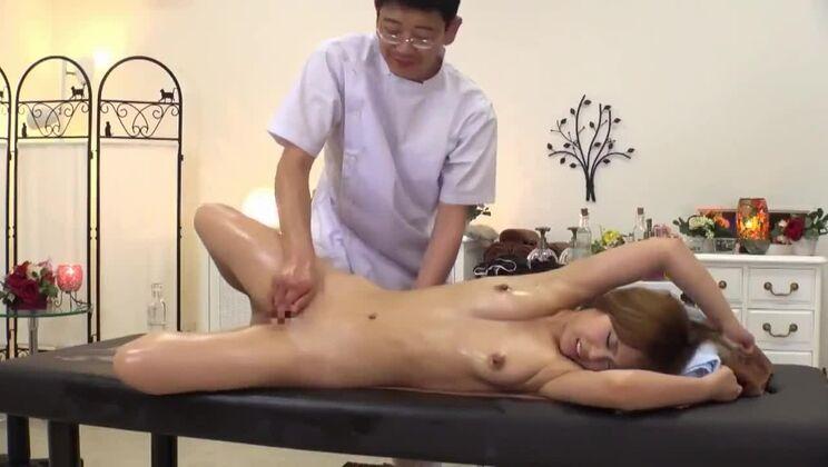 Dazzling Japanese bitch in magic orgasm massage