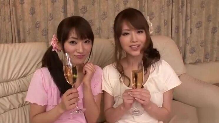Blow job porn video featuring Akiho Yoshizawa and Saki Kouzai