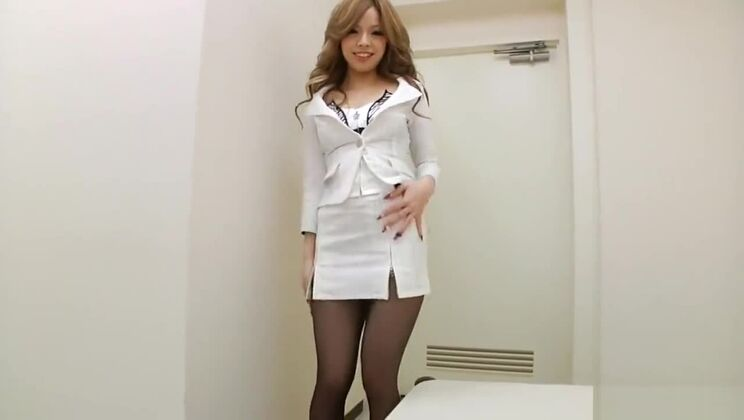 Horny Pantyhose Office Lady Can't Wait Fucking her Boss
