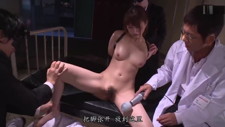 Japanese police is handcuffed and blowjob and cum in mouth by her enemy