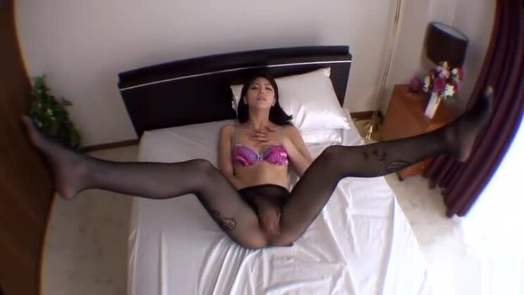 Comely small titted Japanese mom Saori getting an increbile foot fetish