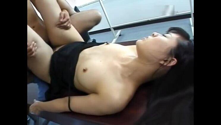 Isumi Yamada Japanese secretary has office sex