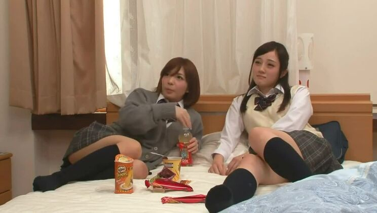 Japanese schoolgirls sexually aroused by seeing a porn video 02