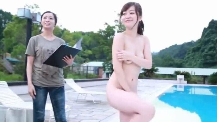 SDMU-134 Photoshoot Sex seduction