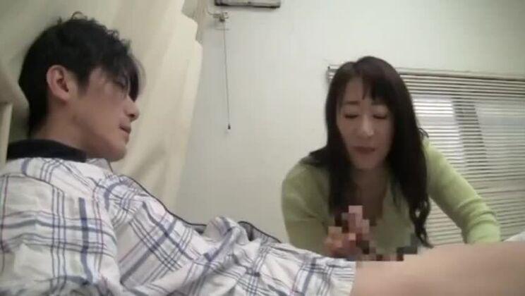 CRZ-009 入院中の病室で、嫁の母に、婿が中出し!