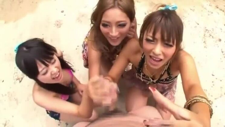 [BLK-162] BLACK GAL BEACH Sakurai Ayu AIKA Out Kira ★ Kira x D
