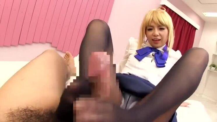 Sugar flat chested Japanese teen gal Riri Kuribayashi in foot fetish video