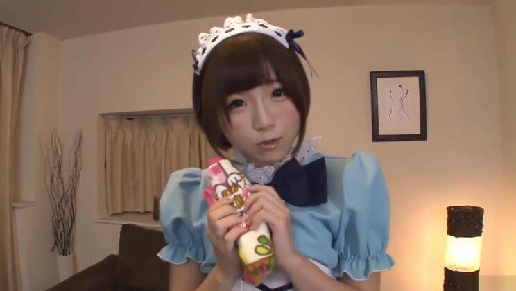 Sensational Sakura Kizuna wants it all