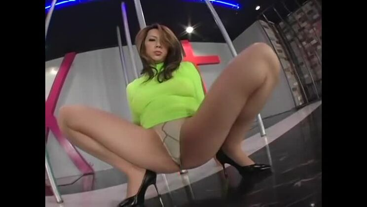 Amazing Japanese model in Incredible MILF, Solo Female JAV movie