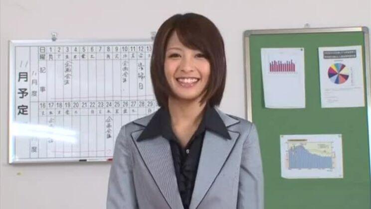 Yuuki Natsume lovely Asian babe masturbated