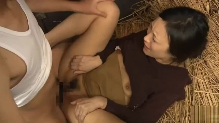 Japanese wife affair in the field