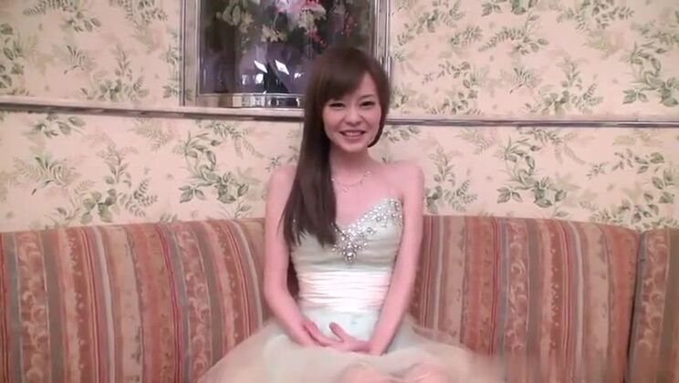 Asian brunette young in internal porn video